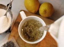 limone miele e acqua calda